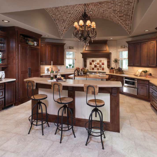 kitchen of luxury home in Houston, Luxury home by Morning Star Builders of Houston