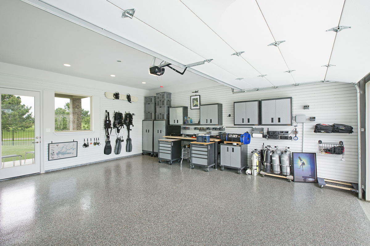 garage with tool bench